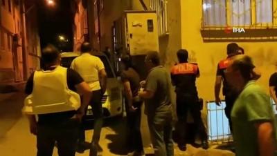 kiz kardes -  Bursa'da hareketli dakikalar...2 kız kardeşini rehin aldığı iddia edilen şahıs, polisin üzerine ateş açtı