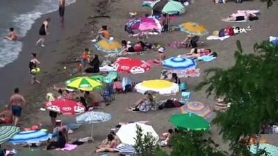 salda -  Hava sıcaklığı 30 dereceye ulaştı, vatandaş plaja akın etti