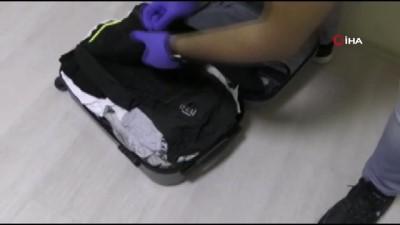 metamfetamin -  Otobüsteki yolcunun valizinden emdirilmiş halde uyuşturucu çıktı