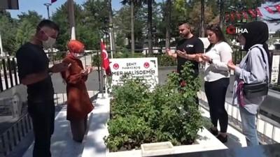 cennet -  Ömer Halisdemir'in mezarı ziyaretçi akınına uğruyor