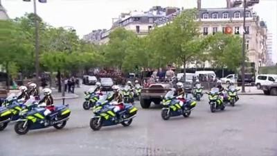 havai fisek -  - Fransa'da Covid-19 gölgesinde Ulusal Bayram kutlamaları