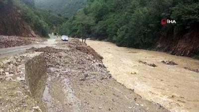 cokme -  Giresun'da sağanak yağış hayatı olumsuz etkiledi Videosu
