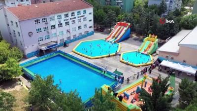 2010 yili -  Olimpik yüzme havuzu martılara kaldı