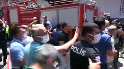 cevik kuvvet -  Mobilya atölyesindeki yangında ölen 2 kişinin cenazesi hastane morguna kaldırıldı