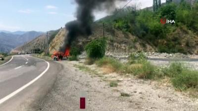 uzman cavus -  Otomobil kaza sonrası alev topuna döndü