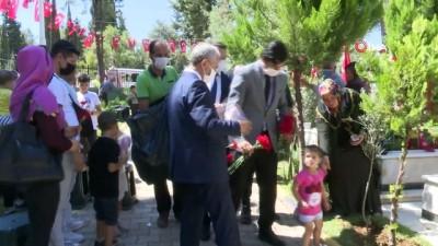 cennet -  Başkan Tahmazoğlu'ndan bayram öncesi anlamlı ziyaret