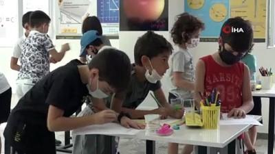 Çocuklar matematiği eğlenerek, dokunarak ve müzik eşliğinde öğrendi