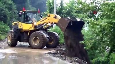 koy yollari -  Düzce'de su taşkını köy yollarını kapattı
