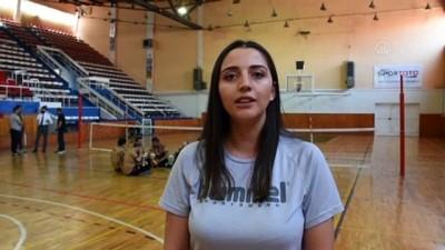 KIRŞEHİR - Engelli gazilerinde yer aldığı oturarak voleybol takımı 4 ayda 'süper' başarı gösterdi