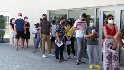 universite ogrencisi - ANKARA - Kovid-19 aşılama programı bayramda da devam ediyor