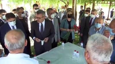 sahit - KAHRAMANMARAŞ - AK Parti Grup Başkanvekili Ünal, huzurevini ziyaret etti