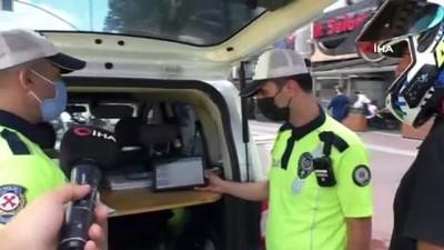 memur -  Mecidiyeköy'de motosikletlilere yönelik denetim: Çakarlı araca bin 339 lira para cezası kesildi