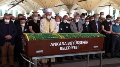 tiyatro - ANKARA - Tiyatro sanatçısı Turgay Yıldız, son yolculuğuna uğurlandı