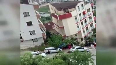 kiz kardes -  1 kişinin öldüğü, 4 kişinin yaralandığı bıçaklı saldırının görüntüleri ortaya çıktı