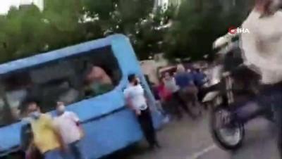 protesto -  - İran Türklerinden su krizi protestolarına destek gösterisi