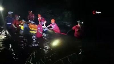 kurtarma operasyonu -  Kanyon'da ayağı kaydı, 4 saat süren operasyonla kurtarıldı