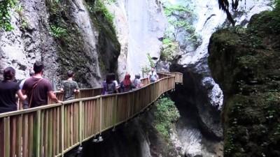 yuruyus yolu - KASTAMONU - Kurban Bayramı tatilinde kanyonlara yoğun ilgi