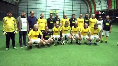 futbol maci -  TBMM Başkanı Şentop stresini halı saha maçında attı