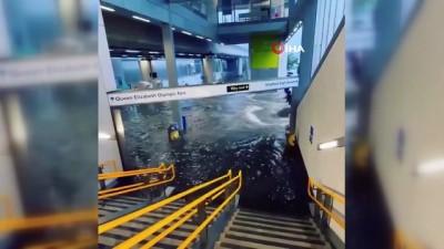 - Londra'daki şiddetli yağış sele neden oldu
