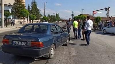 112 acil servis -  Otomobil ile motosiklet çarpıştı, 1 kişi yaralandı