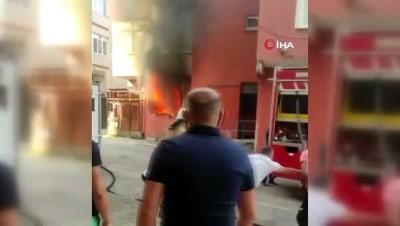 Yangında ikinci kattan aşağı atlayan şahsın ayağı kırıldı