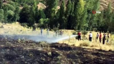 elektrik diregi -  Bingöl'de korkutan yangın: Alevler tarlalara ulaşmadan söndürüldü