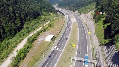 guzergah -  Bolu Dağı Tüneli'nden bayram tatili boyunca 865 bin araç geçti