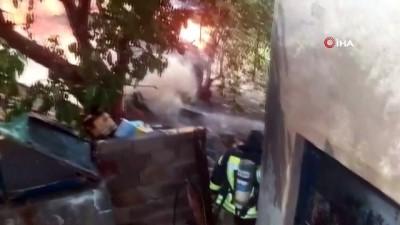 yangin panigi -  Siirt'te odunlukta yangın paniği: 3 çocuk dumandan etkilendi
