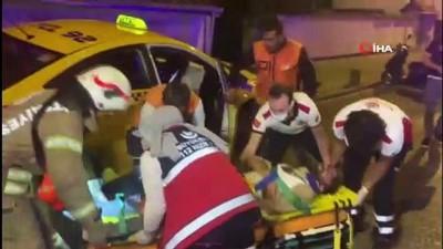 Sultanbeyli'de sıkışmalı trafik kazası 2 yaralı