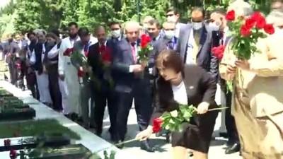 kahramanlik - BAKÜ - Şentop, Bakü'de Haydar Aliyev'in anıt mezarını, Şehitler Hıyabanı'nı ve Bakü Türk Şehitliği'ni ziyaret etti Videosu