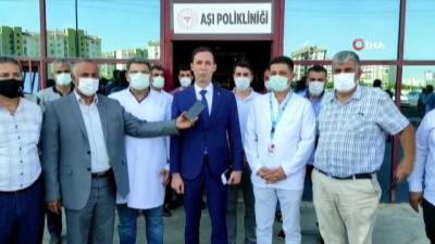 siyasi parti -  Diyarbakır'da MHP il başkanlığından aşı kampanyasına destek