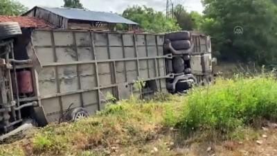 memur - KASTAMONU - Memur servisi  ile otomobil  çarpıştı