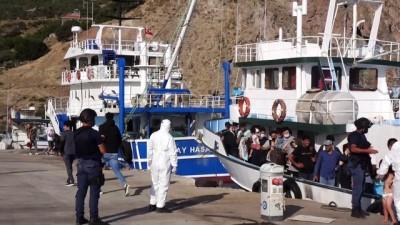 gocmen kacakciligi - Çanakkale açıklarında düzenlenen operasyonda 231 yabancı uyruklu yakalandı