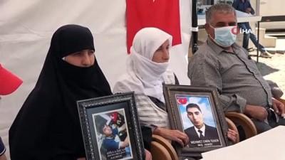 protesto -  Muş'taki ilk evlat buluşması HDP önünde eylem yapan annelere umut oldu