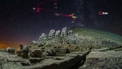heykel -  Nemrut Dağı Samanyolu ile birlikte görüntülendi