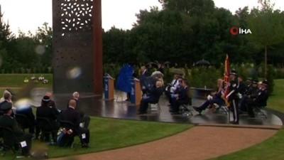 yansima -  - İngiltere Başbakanı Johnson'un şemsiye ile zor anları