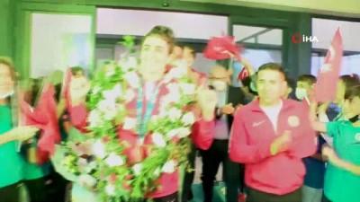 milli takim - Olimpiyat üçüncüsü milli tekvandocu Hatice Kübra İlgün yurda döndü