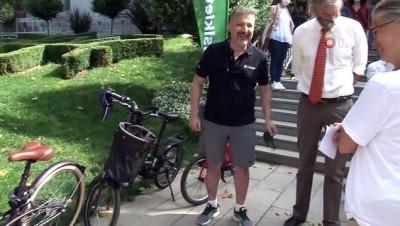bisiklet turu -  Kadıköy'de 'Çevre İçin, İklim İçin, Gelecek İçin' pedal çevirdiler