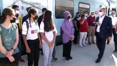 kitap okuma -  Sivas'tan Divriği'ye İstiklal Marşı yolculuğu