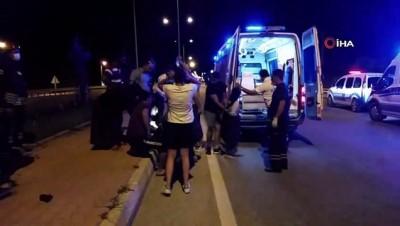 elektrik diregi -  Hurdaya dönen otomobildeki 6 kişi kazadan yaralı kurtuldu