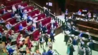 - İtalya'da Temsilciler Meclisinde 'Green Pass' protestosu