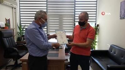 elektrik diregi -  - Vefat eden kızının diplomasını aldı