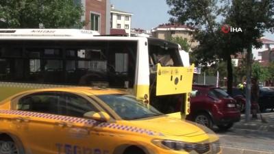 halk otobusu -  Ümraniye'de özel halk otobüsü ile kamyon çarpıştı: 1 yolcu yaralandı