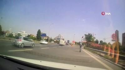 tehlikeli yolculuk -  E-5 Karayolu'nda tehlikeli scooter yolculuğu kamerada - Elektrikli scooter sürücüsü otomobillere aldırmadan E-5'te yolculuk yaptı