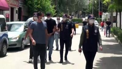 ATM'lerden 50 bin liralık vurgun yapan 2 kişi tutuklandı
