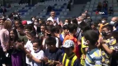 masa tenisi - Bakan Selçuk'tan Spor Köyü'ne tam not