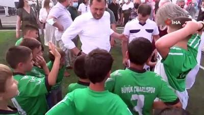 nitelik - Çocuklara, kulüplerin antrenman yapabileceği nitelikte spor tesisleri