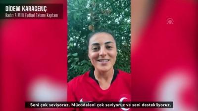 İSTANBUL - A Milli Kadın Futbol Takımı oyuncularından Merve Akpınar'a destek