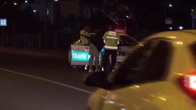 yaya gecidi - KARS - Otomobilin çarptığı hala ve yeğeni yaralandı