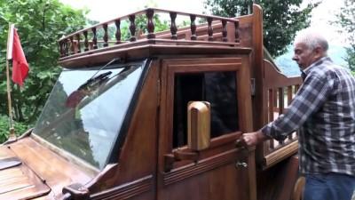 RİZE - Marangozun ahşap kaplayarak kamyonete çevirdiği 1988 model otomobili ilgi görüyor